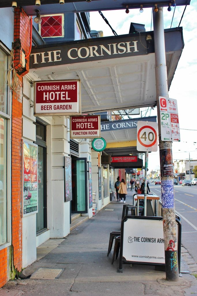 Being the beer lovers that we are, our stay in Melbourne wouldn't have been complete without a Sydney Road pub crawl in Brunswick.