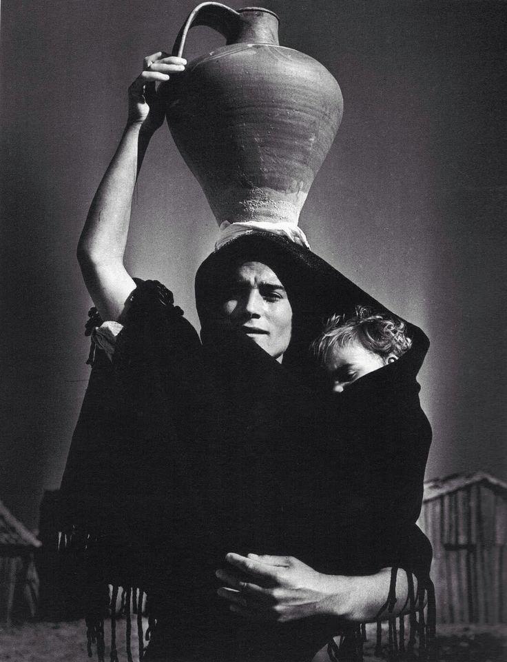 Jean Dieuzaide, Portugal, 1954. Learn Fine Art Photography - https://www.udemy.com/fine-art-photography/?couponCode=Pinterest22