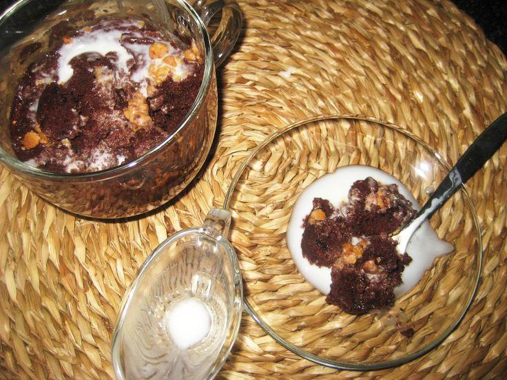 LAS RECETAS DE MAMA ROSA: Bizcochito de chocolate con yogur de limón