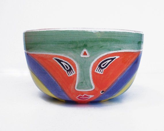 Large handmade ceramic bowl in color green | Unique handpainted ceramic pieces | Handmade pottery ideal for salads, keeping snacks and decor