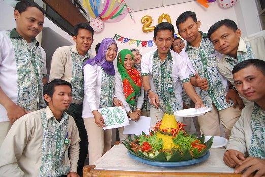 BANDAR LAMPUNG -- PT Agricon Putra Citra Optima, satu perusahaan agrochemical terbesar di Indonesia pemilik lisensi Terminix, bertekad memaksimalkan pelayanan. Hal itu sejalan dengan keberadaan Terminix yang menjadi satu perusahaan