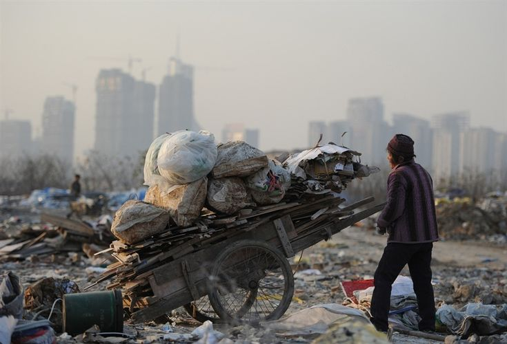 China's widening wealth gap leaves millions in poverty - PhotoBlog