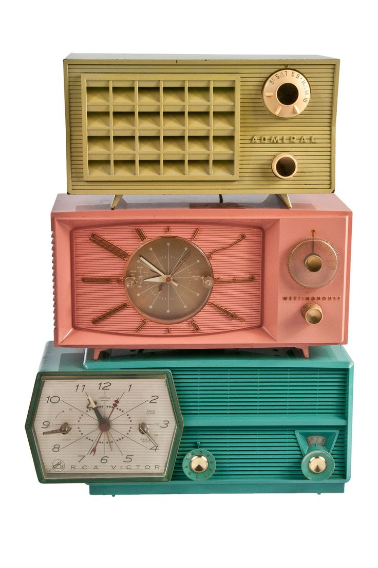 Add visual interest to your home decor with these decorative vintage radios.  - Non-functioning, for decorative use only  - Set of 3  - Era: 1950's