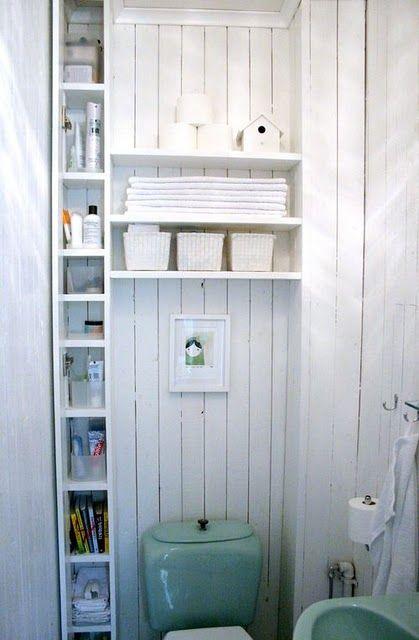 aproveitamento do espaço em um banheiro minúsculo. #boaIdeia