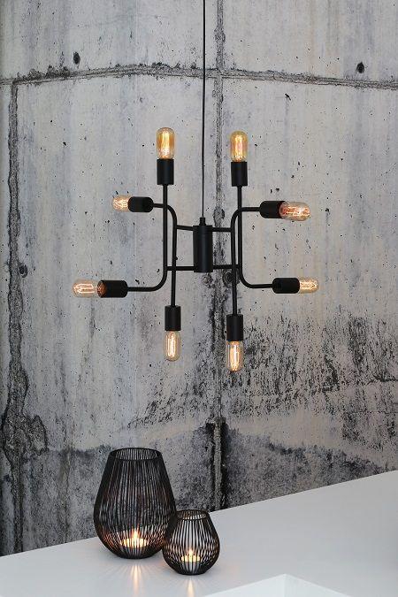 Een design hanglamp met een strakke vormgeving en acht lichtbronnen! Nu te koop in onze webshop!