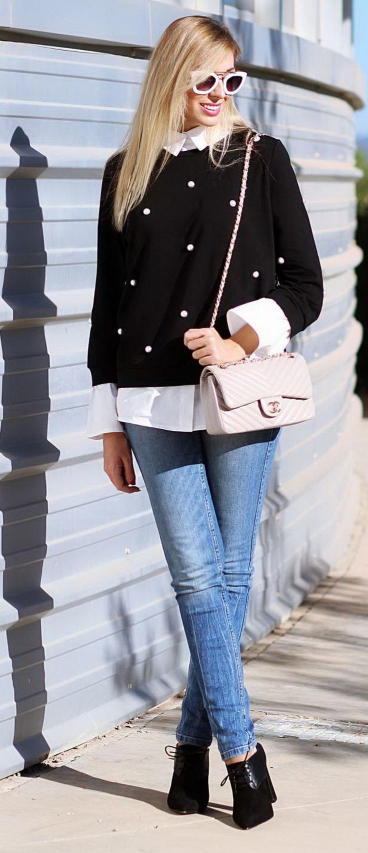 Jersey / Sweater: Buy here Jeans: Zara Boots / Ankle boots: Dángela, Buy here Bolso/Bag: Chanel
