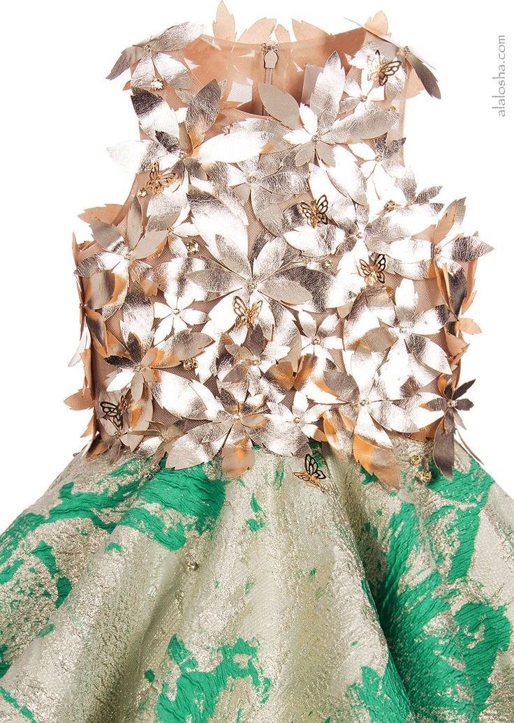 ALALOSHA: VOGUE ENFANTS: Must Have of the Day: Girls Green & Gold 'It's Magic' Dress