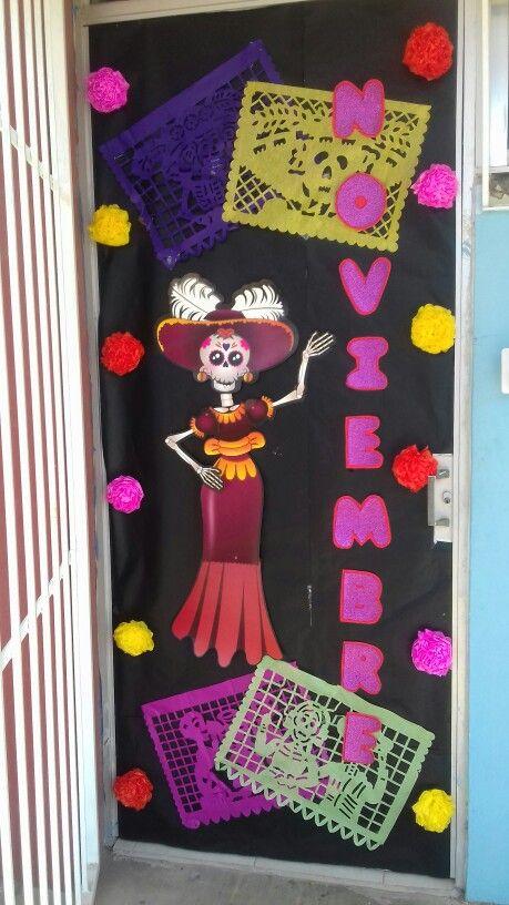 Decoraci n de puerta mes noviembre novv decoracion for Decoracion de puertas escolares