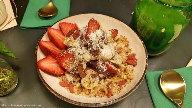 Açai Bowl de Green & Berry Barcelona. Un desayuno o una merienda espectacular y sana.