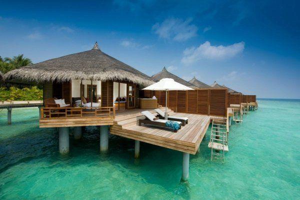 Malediven Bungalow im Malediven Reiseführer http://www.abenteurer.net/194-malediven-reisebericht/