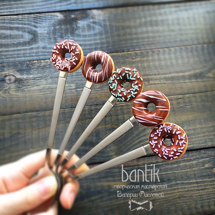 Ложечка с пончиком