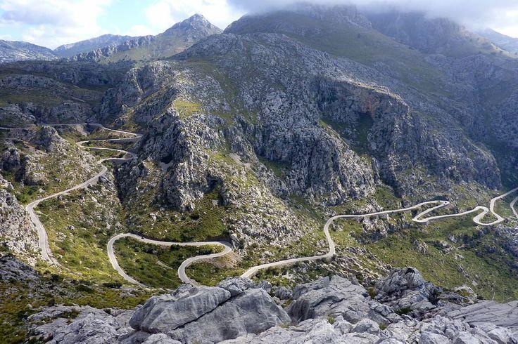 2º día. Mallorca -Tramontana bajada a Sa Calobra ~ this was a road through some fascinating terrain.