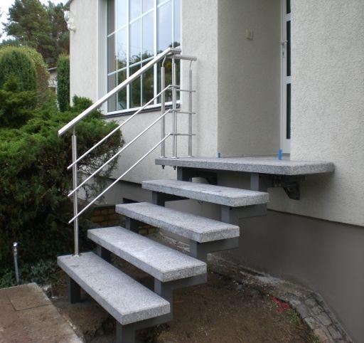 freitragende eingangstreppe haus aussen treppe