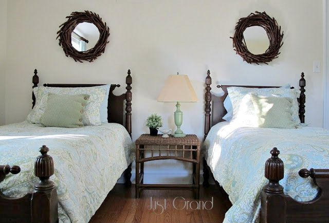Love this twin bed guest room