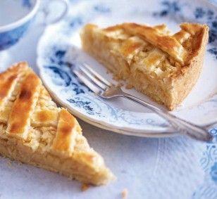 Das Rezept für Apfel-Gitterkuchen mit Marzipan und weitere kostenlose Rezepte auf Kochen und Genießen