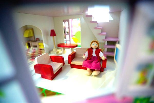 Oltre 25 fantastiche idee su casa delle bambole di legno for Piani casa cottage acadian