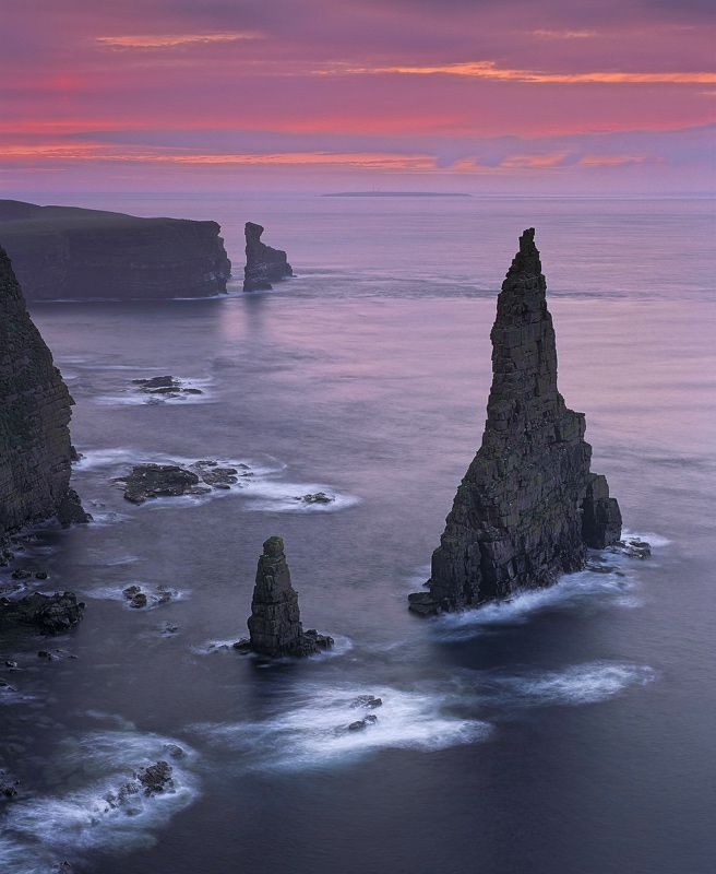 Duncansby Head, Scotland Wow, this scenery is fantastic. Should be in lots of fantasy movies!