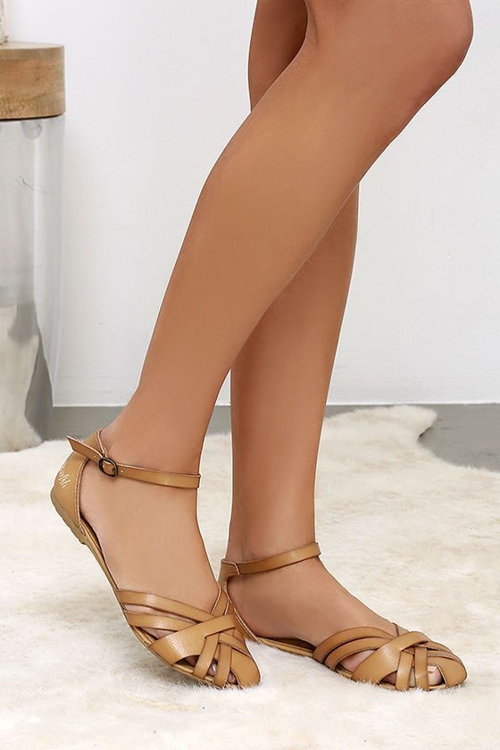 Blowfish Rode Desert Sand Flat Ankle Strap Sandals - A strappy closed-toe design in faux leather includes an adjustable ankle strap at Lulus.com!