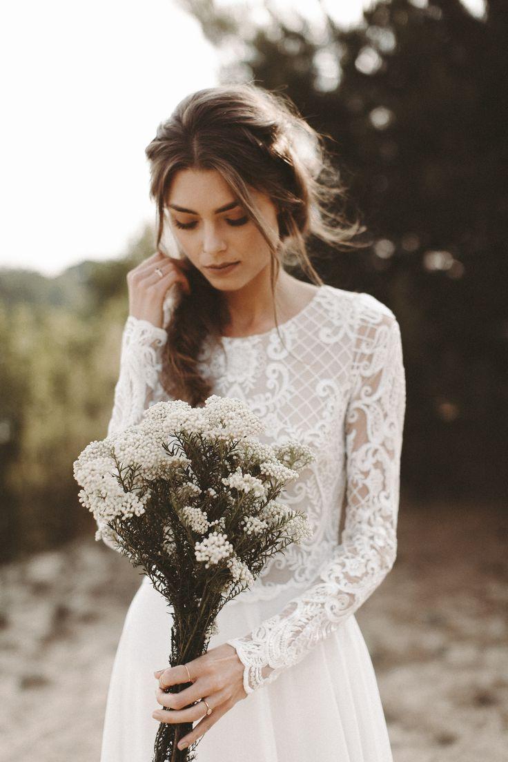 Brautkleid lange Spitzenärmel Rückenausschnitt Boho Hochzeitskleid Vintage Bra… – Light and Lace Bridal Couture