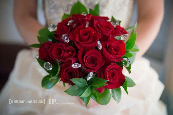 Wedding bouquet Cala Sinzias Cagliari #cagliari #bouquet  www.aliceweddingplanner.com