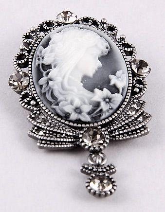 Victorian Jewelry - Victoria's Jewelry Box Victorian Era Costume