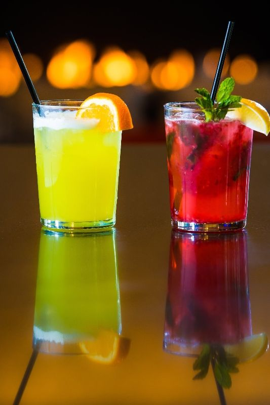 Stay refreshed with a selection of specialty beverages made with Starbucks® espresso roast and a variety of premium beers, wines & cocktails. Click through to see Hyatt Place Champaign's Drink menu!