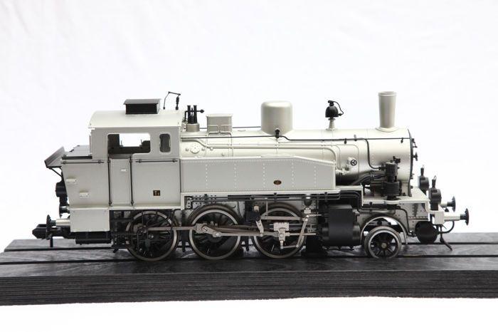 Track 1 - Märklin - 55912 - stoom locomotief T9/3 zilver (57457)  Track 1 - Märklin - 55912 - stoom locomotief T9/3 zilver (57457)Anniversary Edition 1859 1999Locomotief getest ok met originele doosLok heeft water vlekken heel goed vakZeer goede foto's Zie staatFoto's zijn een integraal onderdeel van de beschrijvingveilige verzending met DHL  EUR 150.00  Meer informatie