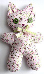 Tuto doudou chaton.http://dans-mon-bocal.over-blog.com/article-tuto-doudou-barnabe-le-chaton-65446031.html