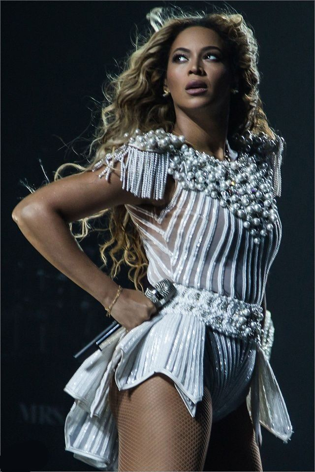 Beyonce Mrs Carter Tour  Not long Queen B, I'll see you soon! So excited!