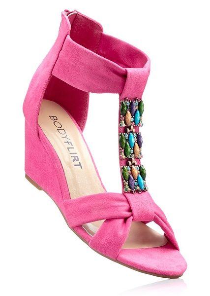 Sandały na koturnie bonprix różowy - 907782