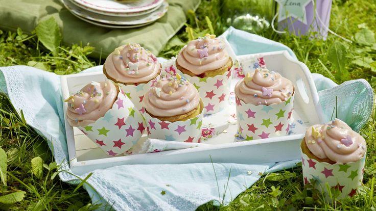 Diese Feen-Cupcakes für die Kinderparty werden mit einem Frosting aufgepeppt, e…