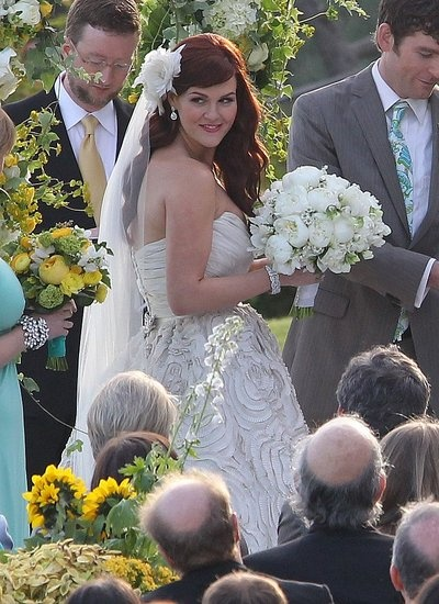 Sara Rue is a stunning bride!! Watch Sara in IMPASTOR. Discover full episodes at http://www.tvland.com/shows/impastor.