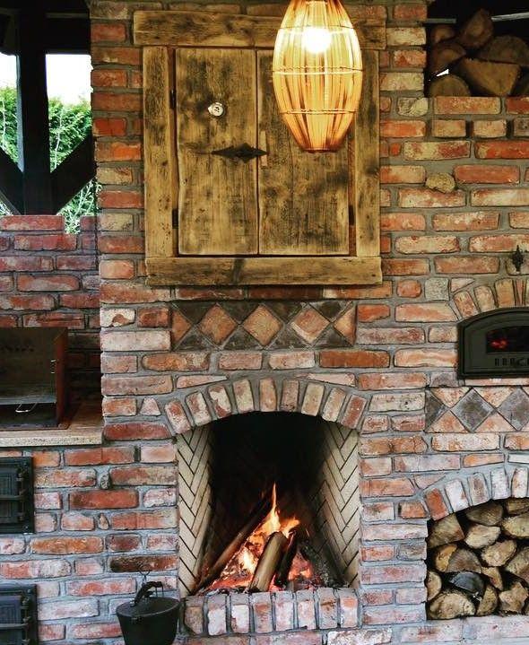 Kuchnia Letnia Bydgostia Kuchnia Ogrodowa Ze Starej Cegly W Bydgostii Znajdziemy Grill Murowany Plyta Zeliwna We Sauna Diy Brick Design Diy Backyard