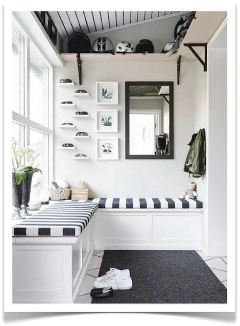Use stripes to add some pattern to your mud room // mud room