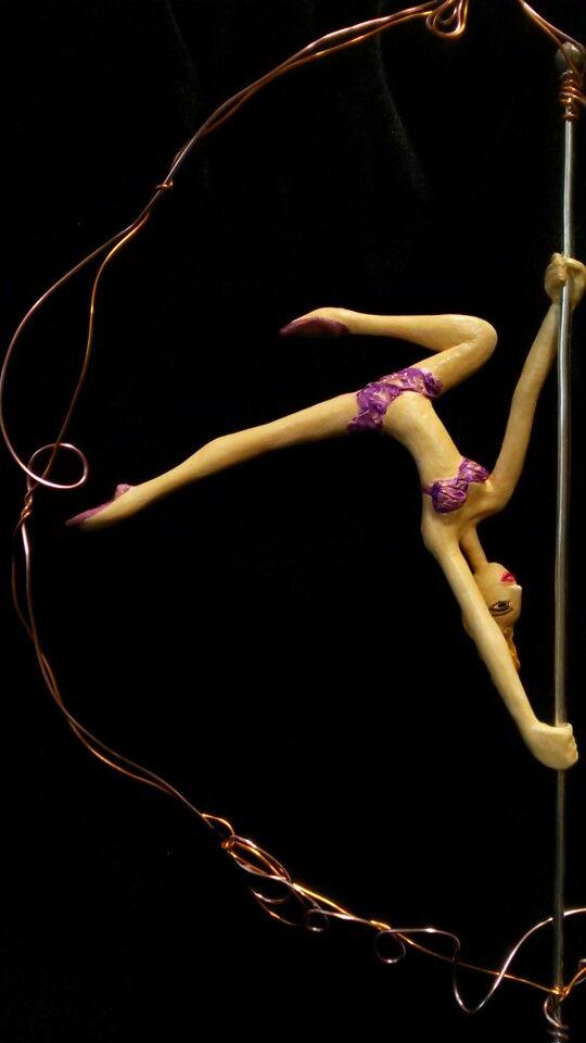 Rainbow dancers  -  VIOLET:Pole dance - July 2014