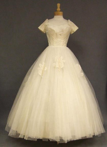 A gorgeous 1950's gown in ivory tulle.
