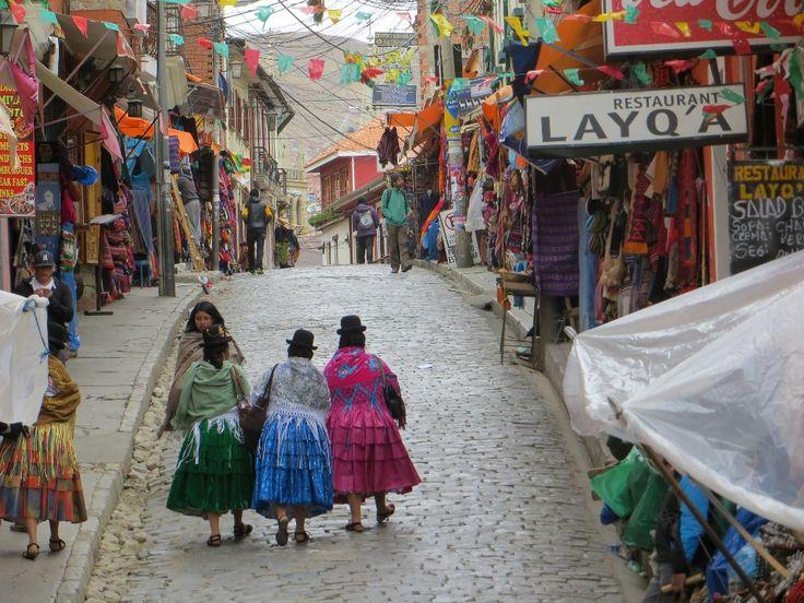 Es importante que tú visites La Paz porque hay muchas cosas que hacer. Espero que tú veas las luces de la ciudad es una vista muy bonita.