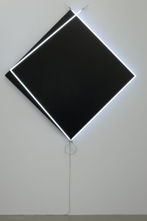 Vue de l'exposition « Kazimir Malévitch & François Morellet,