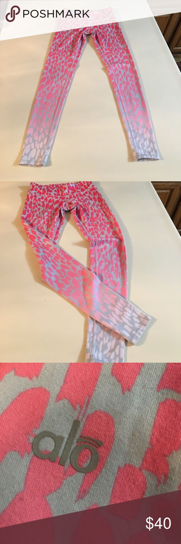 ALO Yoga Printed Pink Leggings Very soft and comfortable work out leggings! Cute ombré cheetah print, pink and gray. Size small. ALO Yoga Pants Leggings