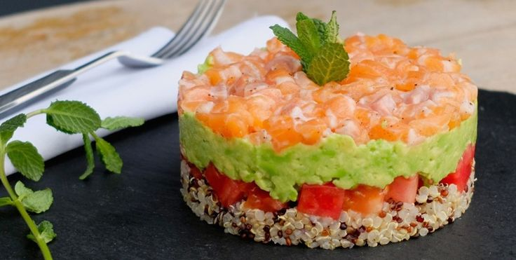 Surowy łosoś, awokado, pomidor i quinoa | Eksperymentuj z szefem