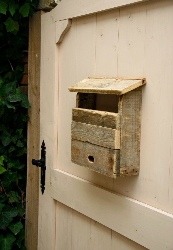 MAILBOX made from RECYCLED PALLET wood by LaSaviaDelArtesano