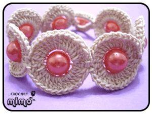 Free Crochet bracelet Pattern.