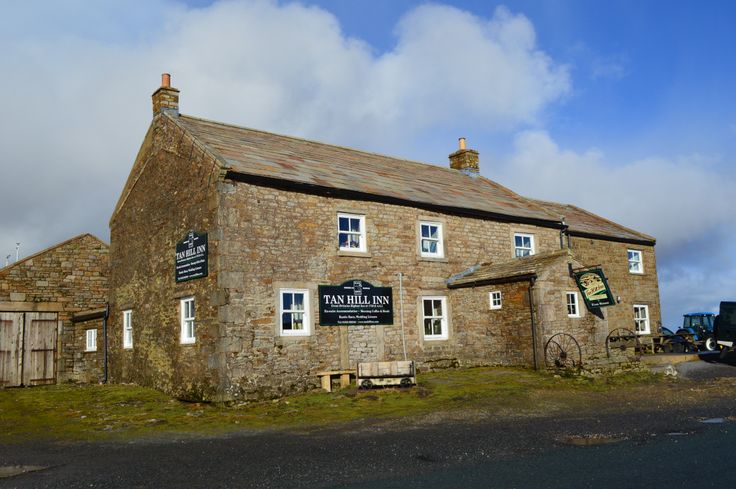 Tan Hill pub, the highest in (Yorkshire) England