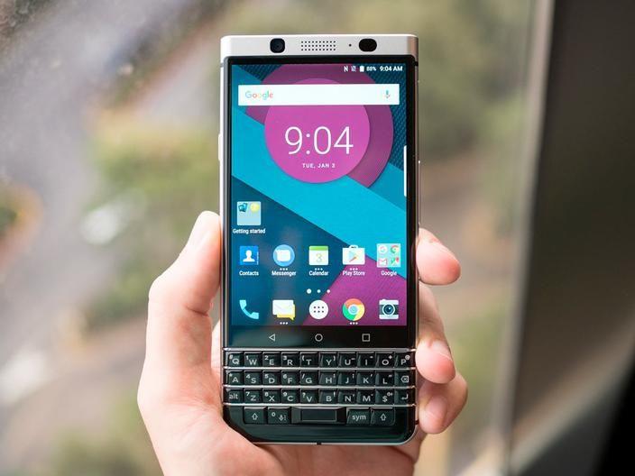 Las capturas de pantalla de Blackberry llegarán a todos los Android    Blackberry sigue apostando por el ecosistema de Android. Si hace unos meses confirmaba que algunos de sus servicios llegarían a cualquier dispositivo Android hoy conocemos una gran aplicación que llegará pronto.  La apuesta de Blackberry en Android está siendo extraña. Los canadienses dejaron de fabricar teléfonos y licenciaron su marca a TCL para centrarse en el software y los servicios. Gran parte de los servicios son…