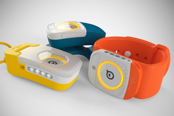 Two-way voice messaging wearable | DMO Design Company
