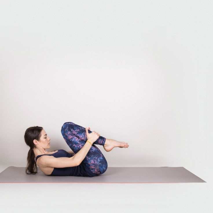 Double-Leg Stretch #pilates #workout #fitness https://greatist.com/move/mat-pilates-workout