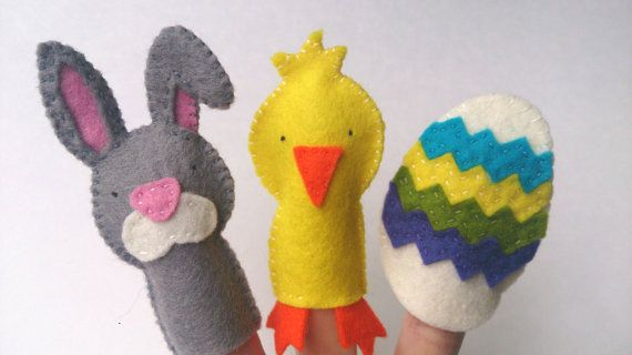 100% wool felt Easter themed finger puppets by Mouse  Moose on Etsy.  Hours of imaginative play.  Includes Easter bunny/rabbit, chick friend, and Easter egg.  A perfect addition to any Easter gift, Easter basket, Easter card, or any occasion.  Perfect for in gift bags, treat bags, or party favors as well.