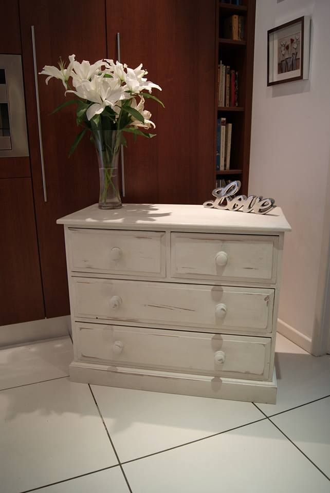 A Charming Shabby Chic Chest Painted In Old White Chalk Paint® Decorative  Paint By Annie