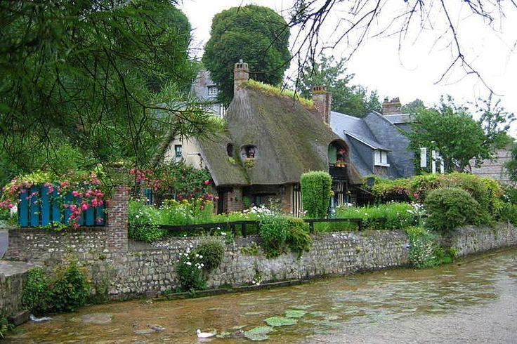 Les villages de France les plus romantiques. Veules-les-Roses en Normandie