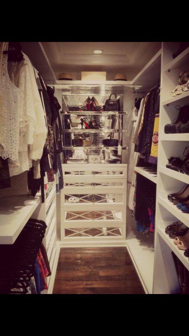 Dressing Room Small Walk In Wardrobe Walk In Closet